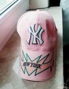 Różowa czapka z daszkiem New Era NEW YORK...
