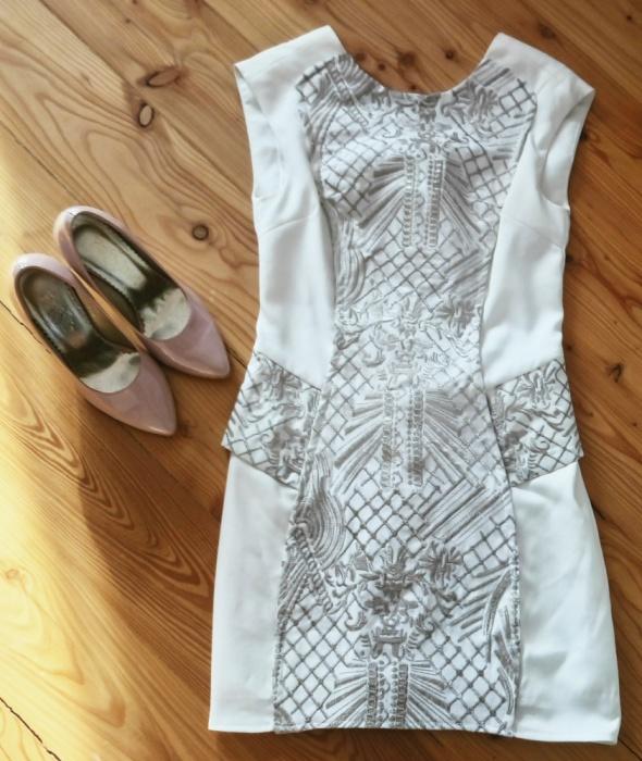 Suknie i sukienki Sukienka beżowa River Island XS 34 6