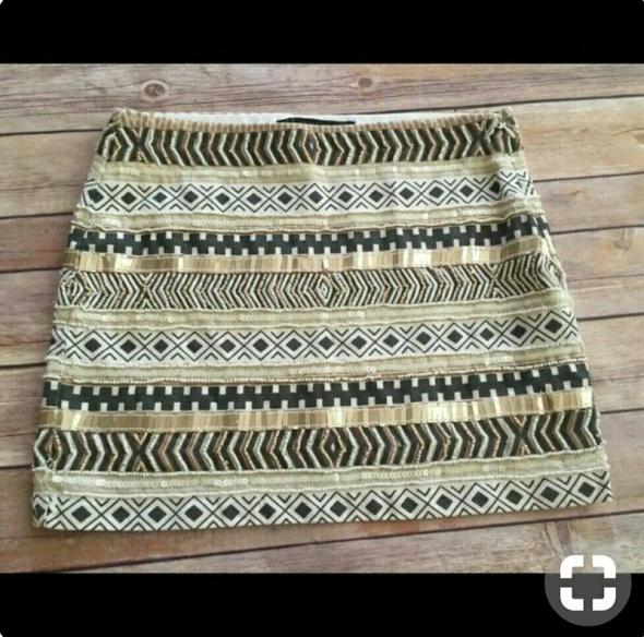 Ubrania ZARA spódniczka mini aztec cekiny