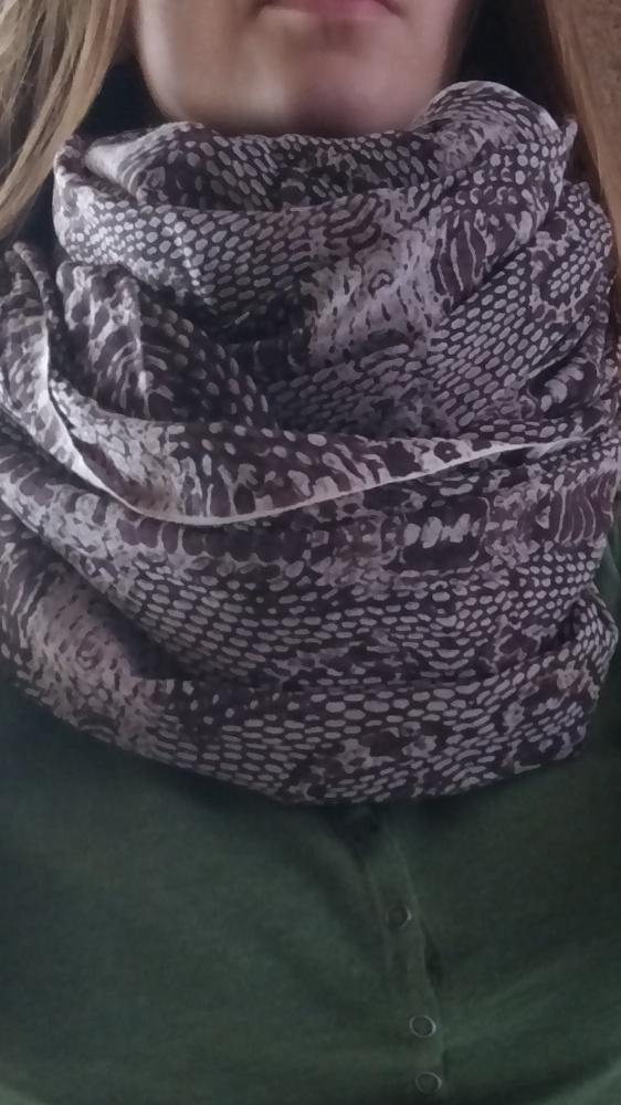 Szal chusta duża brązowa imitacja skóry węża reser