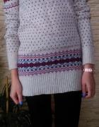 sweter we wzorki