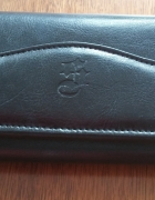 Elegancki skórzany portfel...
