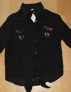 Czarna mięta koszula z metalowymi zdobieniami