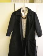 Czarny płaszczyk Mohito