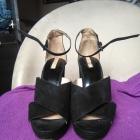 Czarne sandały na obcasie Stradivarius 40