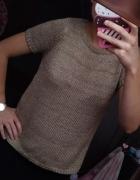 Złoty sweterek