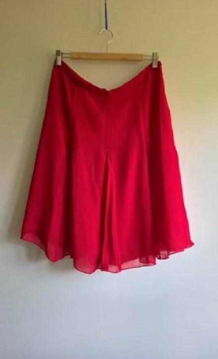 Spódnice czerwona spódnica w kontrafałdy