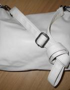 kremowa torebka...