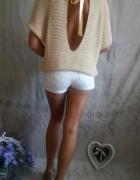 Sweterek NUDE z wycięciem na plecach SM