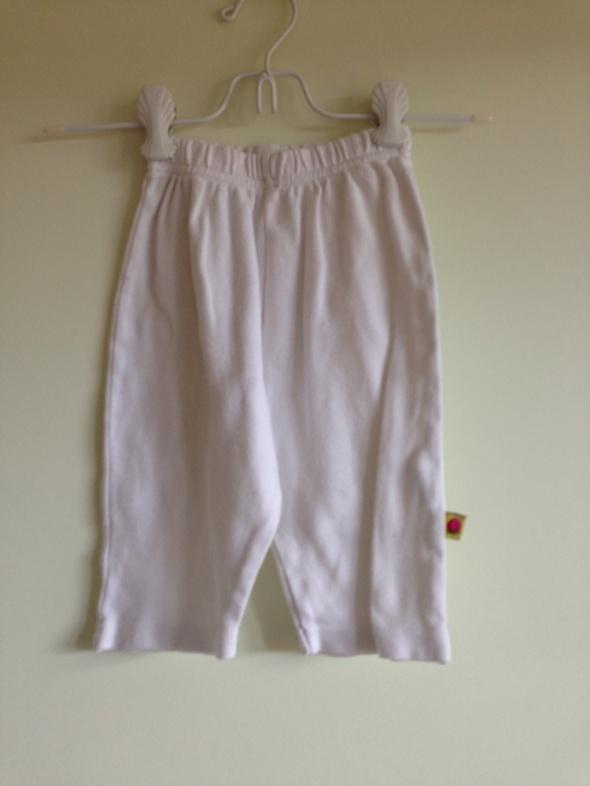 Rozne ubranka dziewczece 6068 stan dobry