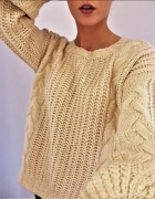 Sweter oversize warkocz blady róż