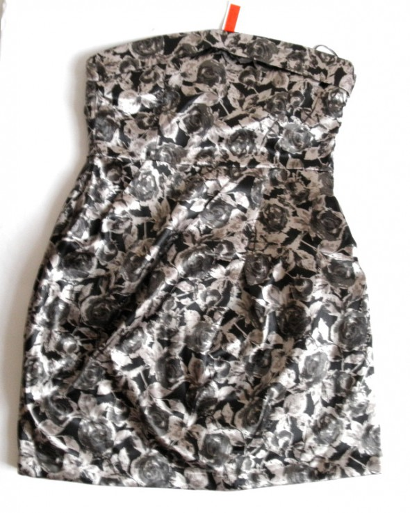 nowa sukienka bombka w róże 40 Influence...