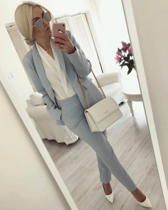 Eleganckie Bardzo kobiecy garnitur