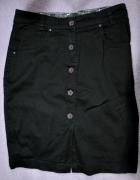 Czarna spódniczka z kieszeniami...