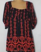 Czarna bluzka w czerwony wzór Essence Rozmiar 48...