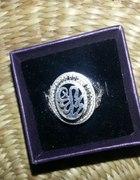 srebrny pierścionek kopulka