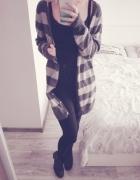 Długi sweter w paski L Reserved