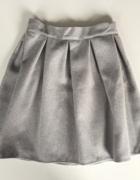 Szara rozkloszowana spódnica...