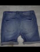 Jeansowe krótkie spodenki MOODO...