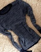 CUDNY sweterek