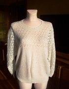 Kobiecy ręcznie robiony ażurowy sweterek...
