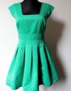 Piękna rozkloszowana sukienka r ML
