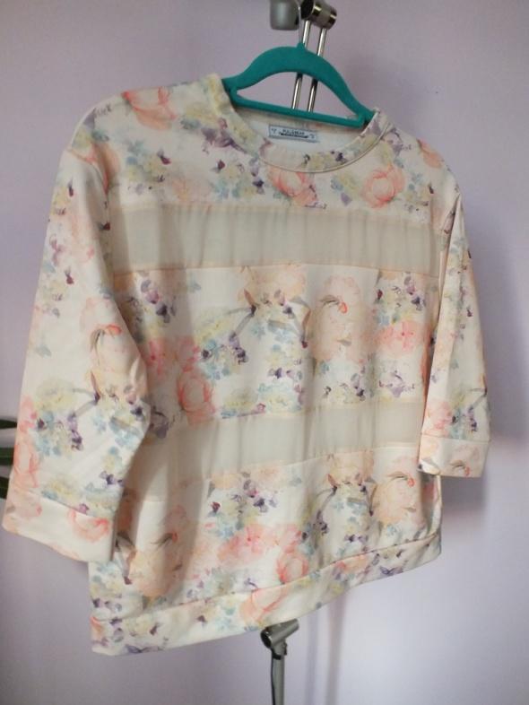 Kwiecista bluzka Pull&Bear S...