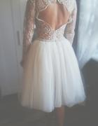 Prześliczna delikatna suknienkagipura...