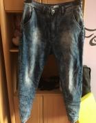 Jeansowe spodnie baggy...