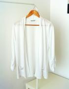 Biała narzutka sweterek Marks & Spencer