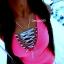 Neon róż sukienka przeplatany dekolt