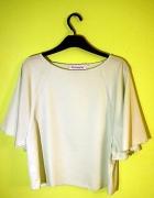 Piękna minimalistyczna bluzka Victoria M