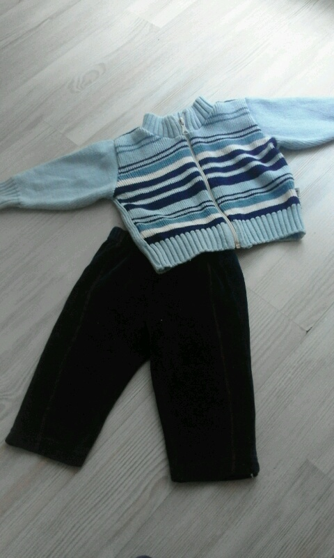 sweterek i spodnie