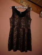 Sukienka panterka guziki