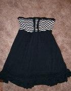 Czarna sukienka falbanka S