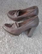 Beżowe pantofle