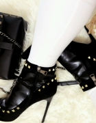 Piękne botki na wzor Valentino