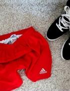 Adidas orginal czerwone spodenki...