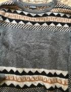 Ciepły szary sweter Kappahl...