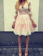 Koronkowa sukienka różowa księżniczka haft 36 S