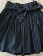Czarna spódniczka rozkloszowana House r S