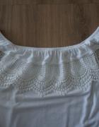 Bluzka biała opuszczana na ramiona koronka r XS