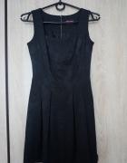 Sukienka mała czarna rozkloszowana r 34...