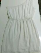 Biała zwiewna sukienka rozm ML Bershka...