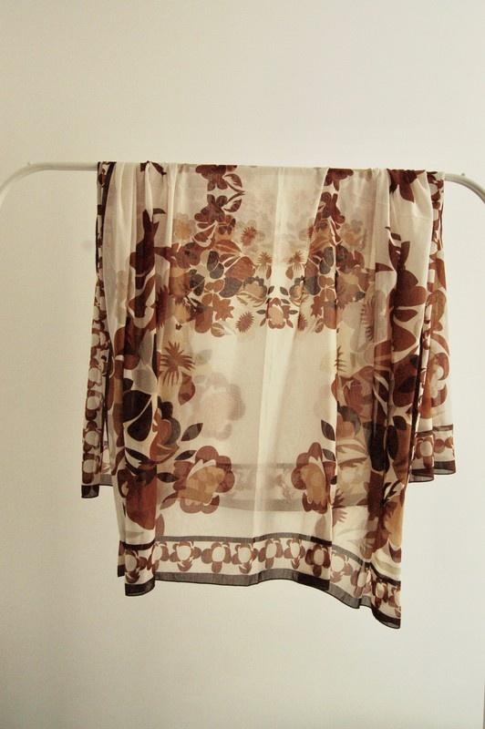 Chusty i apaszki chusta w kwiaty oversize retro h&m boho brąz beże