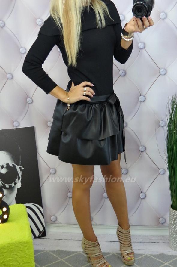 Codzienne czarna sukienka