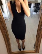 Pull&Bear prążkowana sukienka midi z dekoltem V...