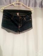 Szorty jeansowe z wywijanym zakończeniem z DenimCo...