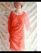 Czerwona sukienka koronkowe wstawki kryty rękaw...