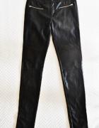 Czarne spodnie z ekoskóry 38 Noisy may